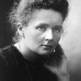 Nata dalle ricerche di Marie Curie sulla radioattività, la radiografia è diventata un mezzo meraviglioso di indagine medica, in quanto permette di vedere le strutture ossee ma anche le parti molli, polmoni, o cave, intestini, se riempite prima di liquido opaco. Essa però non è innocua e non sempre necessaria. Rispetto alla prima caratteristica, non sempre ci si è posti correttamente il problema. Pensate che negli anni cinquanta, nonostante la bomba atomica, non si era ancora convinti della pericolosità dei raggi ionizzanti: in effetti, oltralpe, nei negozi di scarpe, c'erano delle macchine dotate di una apertura dove si infilava il […]